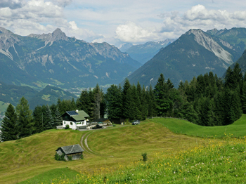 Our holiday home in a few 100 m above the bottom station of Einhornbahn 2